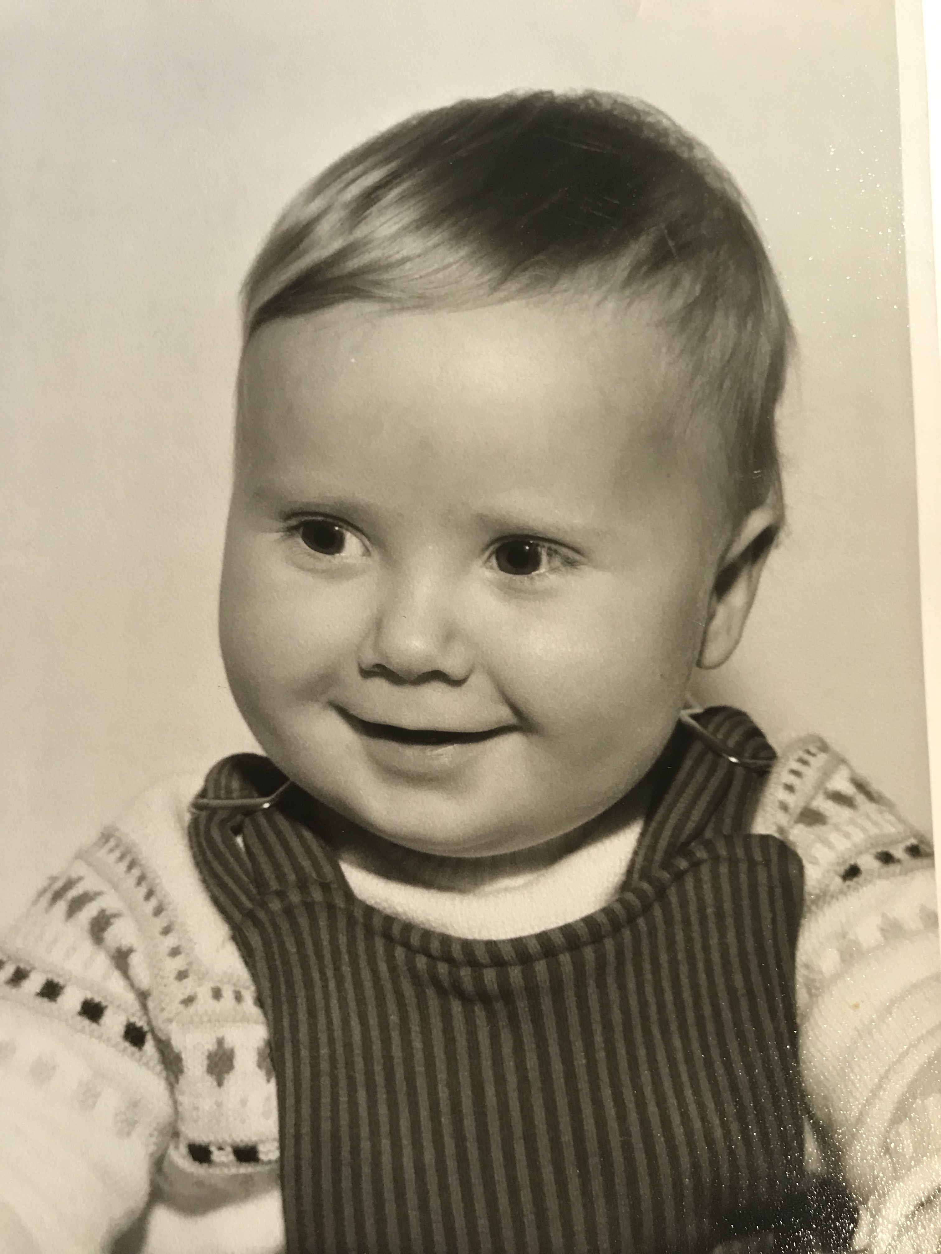 da bin ich etwa 1 Jahr alt